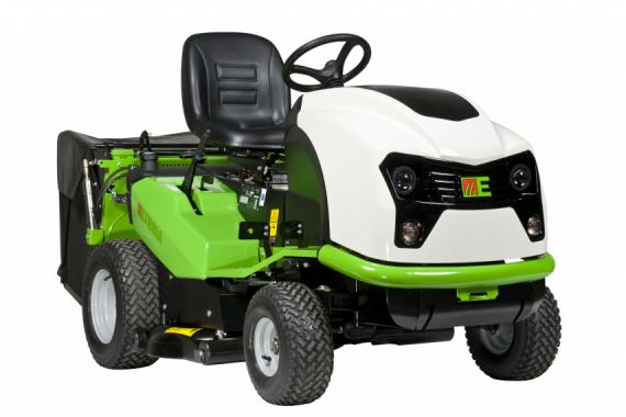 Ride-on mowers Hydro 100 III: no-boundary generation